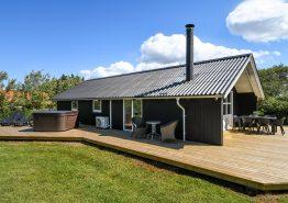 Gemütliches Ferienhaus mit Außenwhirlpool. Kat. nr.:  D3818, Kr Madsens Vej 19;