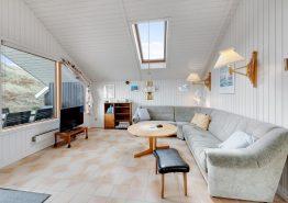 Lille hyggeligt og velholdt sommerhus med herlig udsigt til fjorden (billede 3)