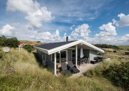 Feriehus med fjordudsigt tæt på stranden. Kat. nr.:  E4118, Tingodden 319
