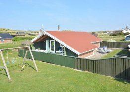 Gemütliches Ferienhaus mit Schaukel, nahe der Nordsee. Kat. nr.:  E4167, Karen Brands Vej 165;