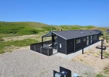 Kvalitetshus med aktivitetsrum og lukket terrasse