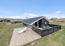 Charmantes Ferienhaus mit Sauna und Kaminofen in strandnaher Lage. Kat. nr.:  E4493, Tingodden 459;