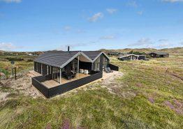 Schönes Ferienhaus mit Billard in der Nähe vom Strand