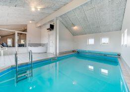 Herrliches Ferienhaus mit Swimmingpool für 12 Personen (Bild 3)