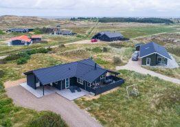 Strandnahes Nichtraucherhaus mit geschlossener Terrasse