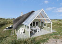 Gemütliches Haus mit Reetdach, nah am Angelteich