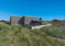 Ferienhaus mit schönen Terrassen in guter Lage