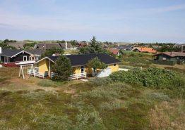 Ferienhaus mit Terrassen auf einem Naturgrundstück. Kat. nr.:  G5221, Fyrmarken 123;