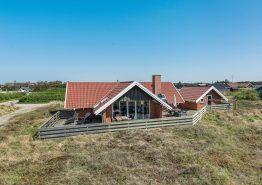 Hundevenligt feriehus med sauna og udsigt til Lyngvig Fyr (billede 1)