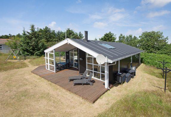 Schön eingerichtetes Ferienhaus mit abgeschirmte Terrasse