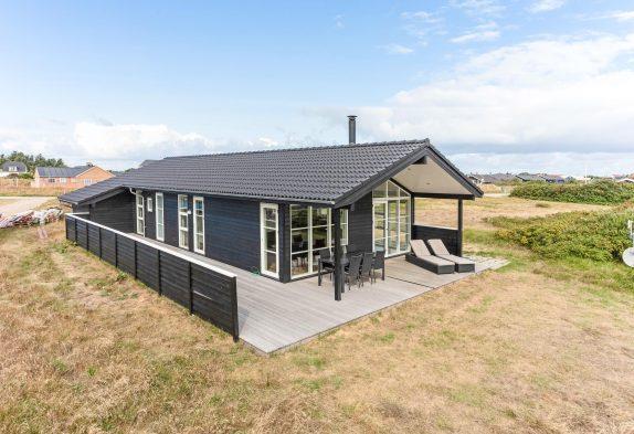 Schön eingerichtetes Ferienhaus am Ringkøbing Fjord