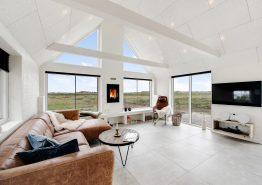 Modernes Reetdachhaus mit toller Aussicht (Bild 3)