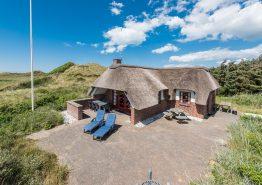 Sommerhus tæt på stranden ved Klegod. Kat. nr.:  H5305, Fladsbjergvej 154;