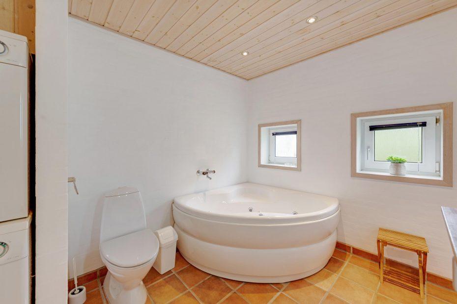 nichtraucherhaus f r 8 personen mit sauna whirlpool esmark. Black Bedroom Furniture Sets. Home Design Ideas