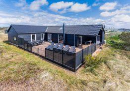 Moderne feriehus med spa, lækre terrasser og 2 hunde tilladt