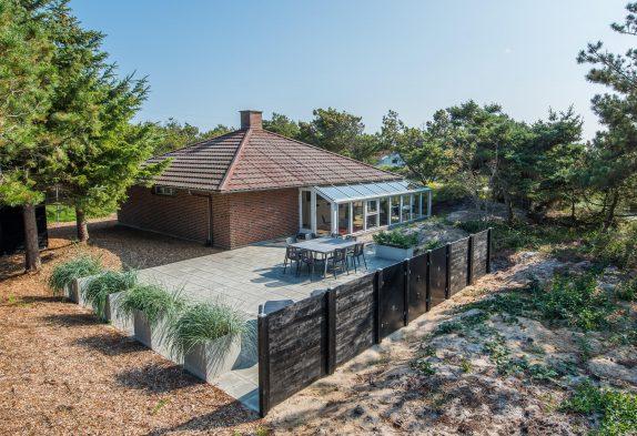 Spannendes Ferienhaus auf tollem Grundstück in Strandnähe und mit eurem Hund