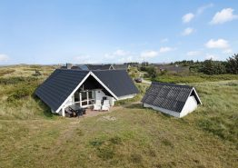 Hyggelig sommerhus med dejlig terrasse og sauna. Kat. nr.:  H5936, Opstrupsvej 48;
