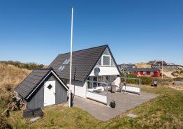 Gemütliches Ferienhaus nah an Sondervig nur 450 Meter vom Strand