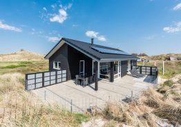 Strandnahes Ferienhaus mit geschlossener Terrasse
