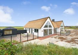 Strandnahes Poolhaus für 10 Personen