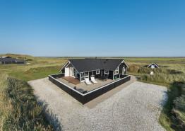 Dejligt feriehus med stor lukket terrasse i Houvig