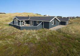 Hus med varmepumpe, flot udsigt og lukket terrasse (billede 1)