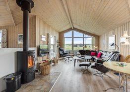 Hus med varmepumpe, flot udsigt og lukket terrasse (billede 3)