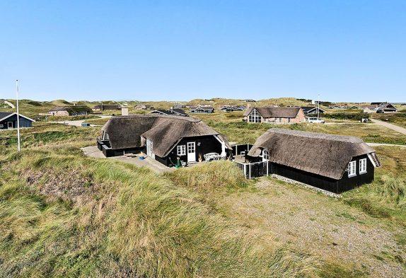 Hyggeligt sommerhus med sauna, brændeovn og billard