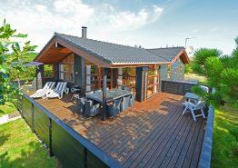 Schönes Haus mit geschlossener Terrasse und Wärmepumpe (Bild 1)