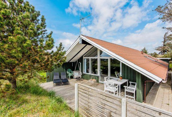 Dejligt sommerhus med brændeovn på Lodbjerg Hede