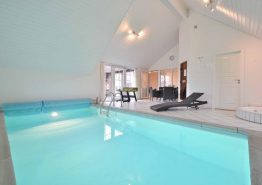 Ferienhaus mit Terrasse, Hängeboden und Swimmingpool (Bild 3)