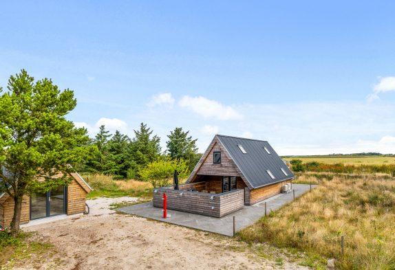 Renoviertes Ferienhaus mit Shelter und Aussicht auf Fjord und See