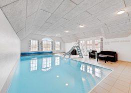 Skønt nyrenoveret poolhus med wellness (billede 3)