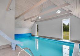 Renoviertes Poolhaus mit Spielplatz, Sauna und Whirlpool (Bild 3)