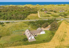 Charmerende Klitgård til 12 pers., med panoramaudsigt og tæt på hav (billede 1)