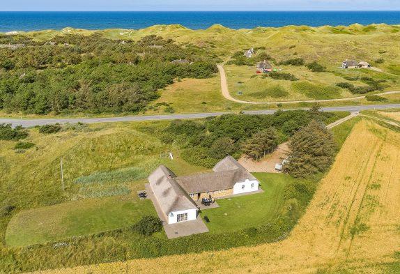 Charmerende Klitgård til 12 pers., med panoramaudsigt og tæt på hav