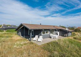 Strandnahes und gemütliches Holzhaus