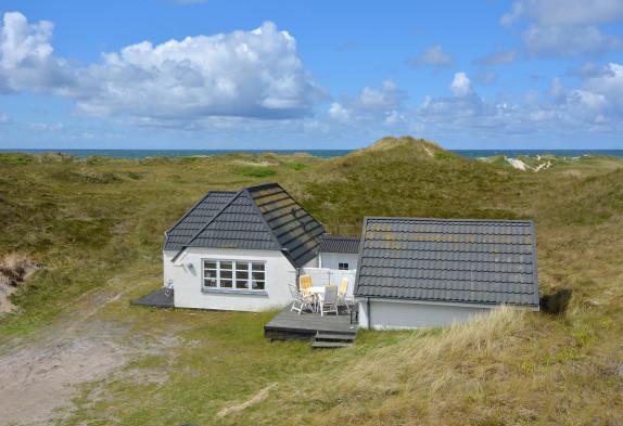 Dejligt feriehus bare 100 meter fra Vesterhavet