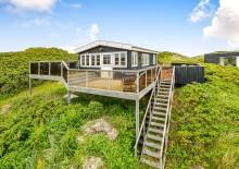 Strandnahes Ferienhaus m. schöner Terrasse und Aussicht. Kat. nr.:  i0082, Lodbergsvej 323 B;