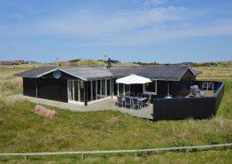 8 Personenhaus, dass in der Nähe vom Strand liegt. Kat. nr.: i0156, Nordlysvej 13;
