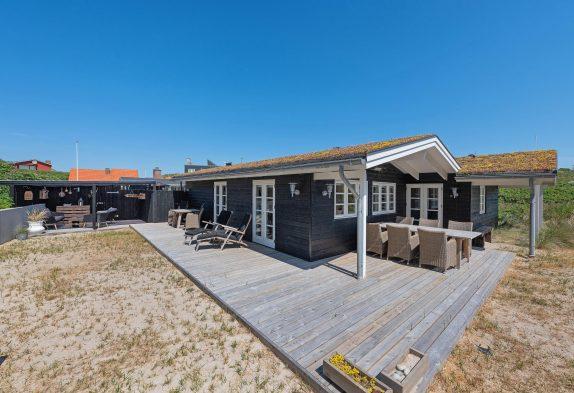 Lækkert og charmerende ikke-ryger hus med stranden i baghaven
