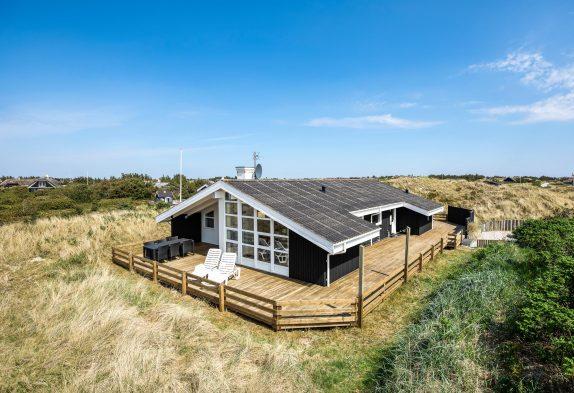 Skønt feriehus med sauna, spa og en stor terrasse