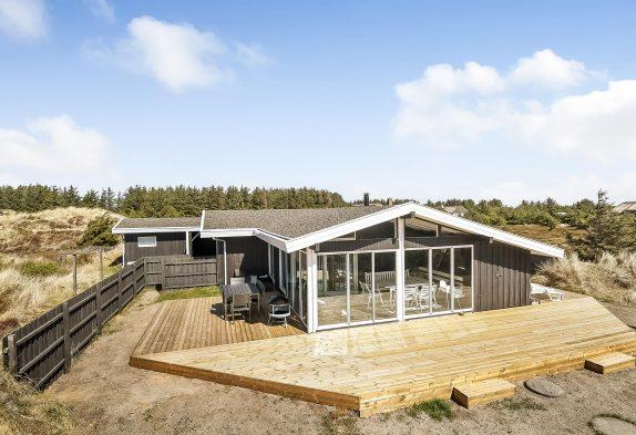 Ferienhaus mit tollem Garten, Wintergarten und Internet ...