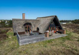 Charmerende feriehus med skønne terrasser. Kat. nr.:  i6320, Ane Kathrines Vej 3;