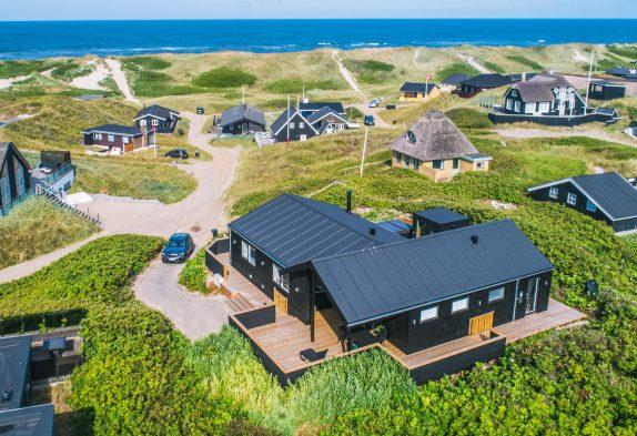 Lækkert totalrenoveret feriehus med sauna, udespa og fjordudsigt