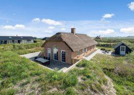 Ferienhaus m. Kamin, Reetdach und geschlossener Terrasse. Kat. nr.:  i6516, Holdvej 9B;