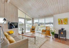 Charmerende feriehus tæt på klitlandskab og ferieby (billede 3)