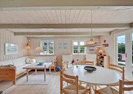 Dejligt feriehus med skøn terrasse og unik beliggenhed (billede 3)
