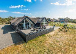 Grosses Poolhaus in Søndervig mit Aktivitätsraum und gratis Strom