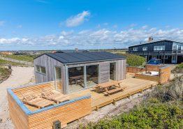 Moderne  2-plans feriehus i hjertet af Søndervig med sauna og 150m til havet